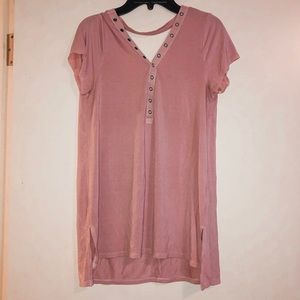 American Eagle pink button low back t-shirt
